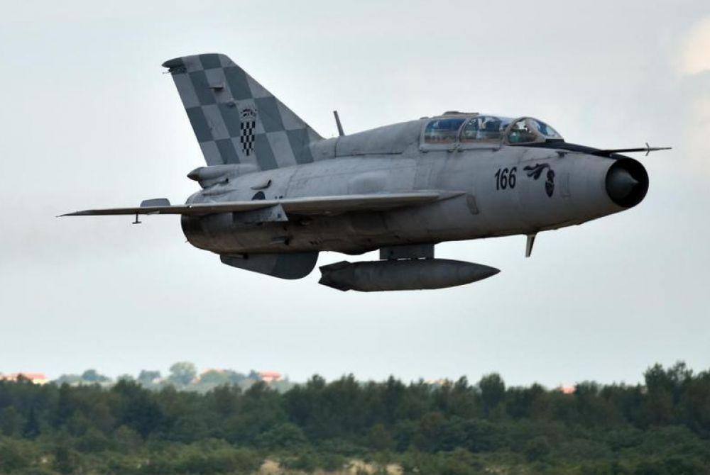 Vojni avioni letjet će do petka, možda će probijati zvučni zid