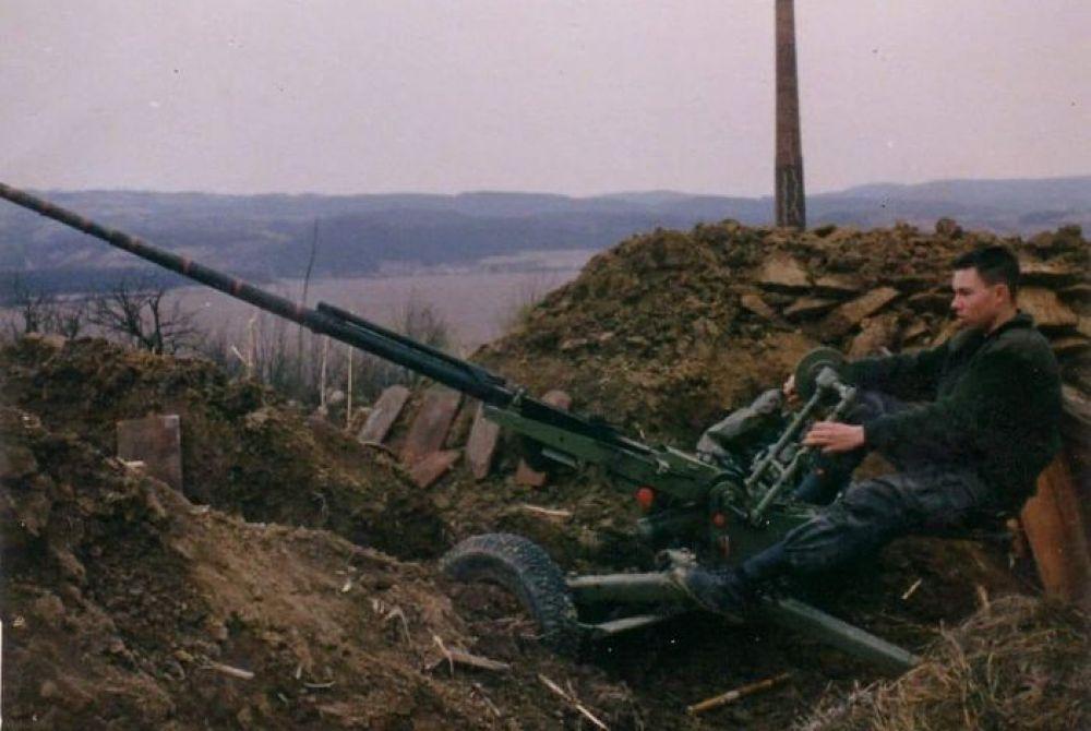 IN MEMORIAM Na današnji dan 1992.g. poginuo je Josip Szarvaš maloljetni dragovoljac i heroj Domovinskog rata