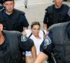Htjela je biti nacionalni izdajnik, a sada najavljuje protupravne čistke