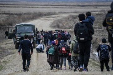 Ne smiruju se napetosti kod Šida: Pedeset incidenata s migrantima na srpsko-hrvatskoj granici