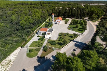 Ivica Matešić: Padala je kiša jučer na sukošanskom groblju