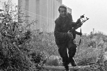Puno je fotki iz rata, ali ova na kojoj je Blago Zadro je magična