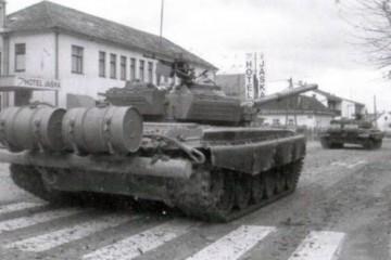 JNA napustila Jastrebarsko (1991.)