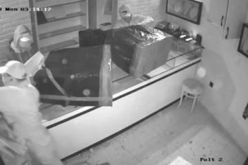 Ruski Pink Panther: Trojicu lopova odao zaboravljeni čekić?
