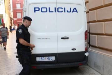 Razbojništvo u Crikvenici: Dva muškarca opljačkala kladionicu