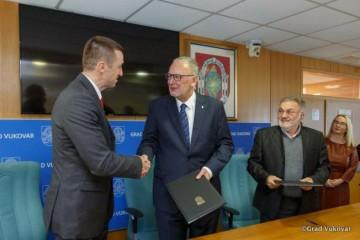 Vukovar u ožujku dobiva sjedište Interventne policije, Božinović i Penava potpisali ugovor