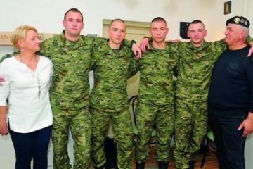 (FOTO) Otac Tigar a četiri sina u odori Hrvatske vojske