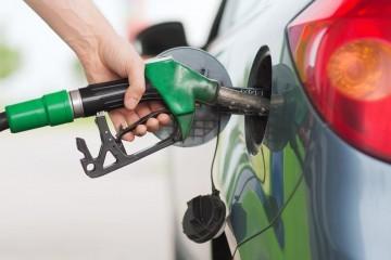 Sutra blago poskupljuje gorivo?