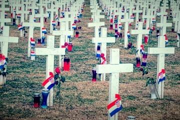 Mladen Pavković: Neka nas dođe 938, koliko ima bijelih križeva!