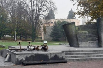 Sisak: Branitelji i građani prosvjedovali zbog skrnavljenja spomenika