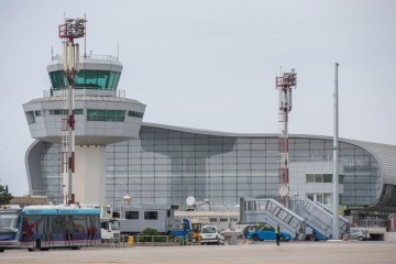 Avion prinudno sletio u Dubrovnik, putnik imao srčani udar i umro