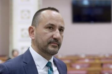 Zekanović: Kako će glasati oni u iseljeništvu ako potraju mjere