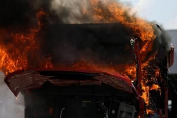 Dvoje mrtvih na autocesti A3: Vatra guta kamione, odjekuju eksplozije