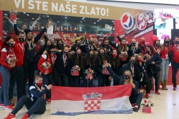 Hrvatske rukometašice sletjele u Zagreb i otkrile veliku tajnu svojeg uspjeha, te što ih je posebno iznenadilo nakon povratka