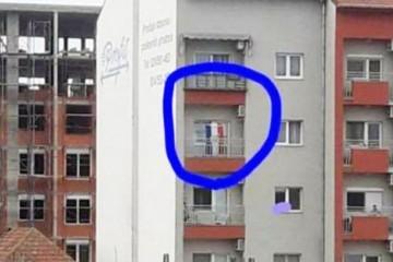 Ako mogu to Srbi u Hrvatskoj, zašto nebi mogao Hrvat u Srbiji: Mahao hrvatskom zastavom i puštao Thompsona usred grada!