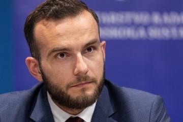 Aladrović o povećanju plaća javnim službama: 'Nadam se da će svi shvatiti posljedice koronakrize, moramo spasiti gospodarstvo'