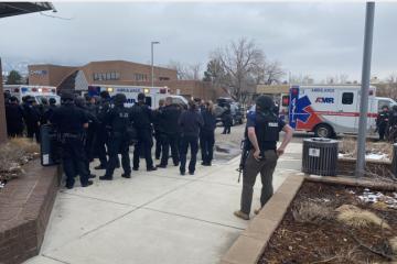 NOVI KRVAVI POHOD U AMERICI: Muškarac nasumično pucao u supermarketu, iza sebe ostavio desetoro ubijenih