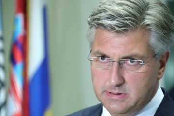 PLENKOVIĆ IZNIO JASAN STAV O POZDRAVU 'ZA DOM SPREMNI': 'To nitko ne dovodi u pitanje!', komentirao INICDENT U KNINU