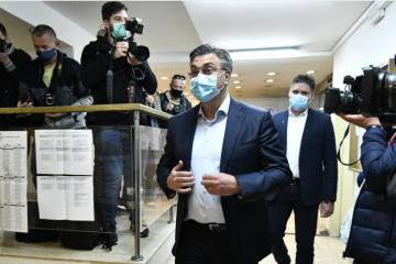 GRAĐANI SE ŽALE: U Zagrebu neki nisu dobili sve listiće, izdano upozorenje! Plenković dao izjavu