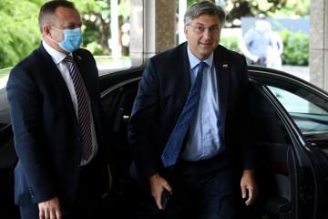 Plenković zvao oporbu na sastanak o problemima koju čekaju zemlju, no svi su odbili - posljednji otkazao Božo Petrov