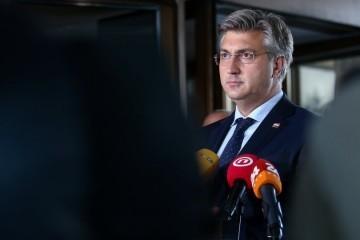 Plenković i Aladrović u podne predstavljaju nove mjere za očuvanje radnih mjesta