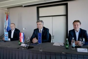 Plenković: Imamo zagarantiranih 76 potpisa