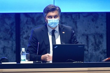 Plenković predstavio strože mjere: Zatvaraju se kafići i teretane, restorani rade samo dostavu, svadbe zabranjene, a mise su i dalje dopuštene