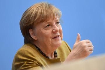 Angela Merkel: Ja imam 66 godina i ne pripadam skupini preporučenoj za AstraZenecu