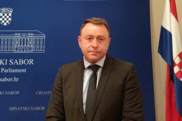 Deur (HDZ) o veličanju petokrake u Saboru: 'Opasne poruke od lijevo-radikalnih grupa'