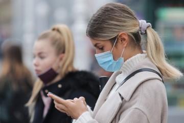 Loša vijest za antimaskere: Maske su gotovo 100 posto učinkovite kad je riječ o velikim kapljicama