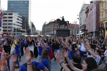 (VIDEO) Drugi Antunovski hod danas od Sesvetskih Sela do Svetoga Duha – evangelizacija na ulici