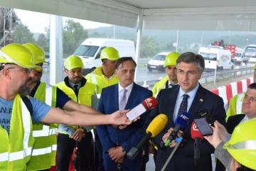 Andrej Plenković: Pozivam Bernardića na TV sučeljavanje