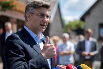 Plenković: Neće nitko treći doći u poziciju da postane premijer, odbacujem sve ucjene Mosta i Škore
