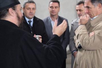 SKANDALOZAN VIDEO Živjela krajina, živjeli krajišnici…Tko je veći Srbin- Linta ili Pupovac?…