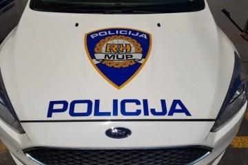 TRAGEDIJA NA PAGU: U teškoj prometnoj nesreći smrtno stradala jedna osoba, policija još ne zna kada se točno sve dogodilo