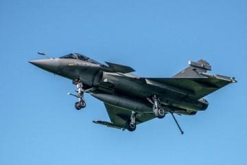 Vlada ipak kupuje vojne avione, stiže ponuda Francuza