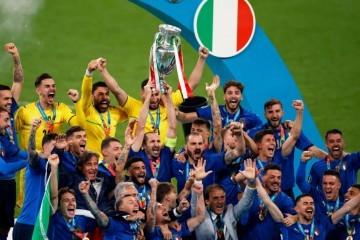 Erupcija slavlja u Italiji nakon osvajanja europskog naslova
