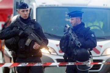Stravični napad u Francuskoj: Ranio sedam i ubio dvoje ljudi