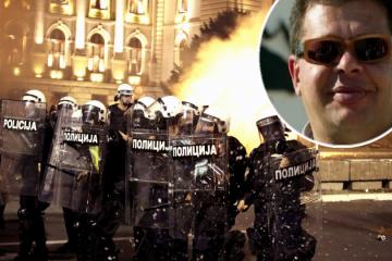 Zašto se dogodio ulični rat u Beogradu? 'Upad u parlament koji ne sjedi je politički kretenizam, a premlaćivanje ljudi na klupi podsjeća na Bliski Istok. Ovo je recept za katastrofu '
