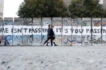 9. studenoga 1989. Pad Berlinskog Zida – komunistička diktatura proglasila ga je 'antifašističkim zidom'!