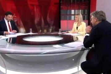 Bernardić cijeli duel mahao 'dokumentima' pred Plenkovićem: 'Puno je to papira, nije lako naći'