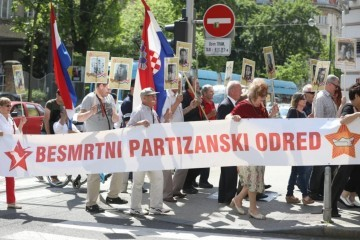 U Zagrebu održan mimohod 'Besmrtnog partizanskog odreda': 'Vratite trg maršala Tita!'