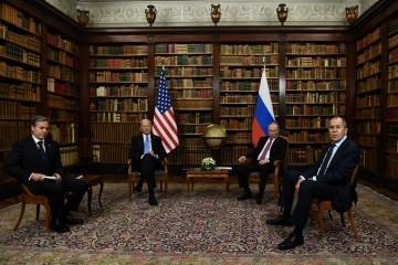 Putin i Biden za nastavak razgovora o kontroli naoružanja