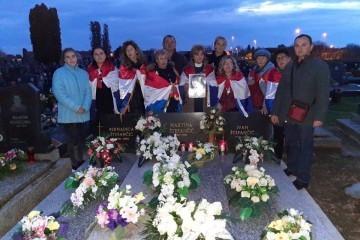 Hrvatskim zastavama kroz Borovo Selo