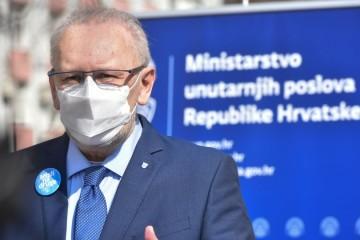 Kako će nam izgledati Uskrs? Božinović je jasan: Neće biti ograničenja putovanja ni kontrole privatnih okupljanja. To ulazi u privatnu sferu