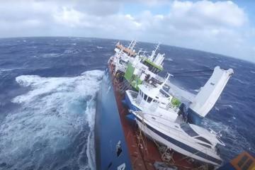 Remorkeri pritekli u pomoć nizozemskom teretnjaku, a brod iz pulskog Tehnomonta 'sam sebe' spasio