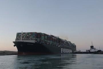 Odsukani Ever Given i dalje je zarobljen u Sueskom kanalu jer ga Egipćani ne puštaju dok kompanija ne plati masnu odštetu