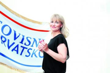 UGASILA SE ZVIJEZDA LIJEPE HEROINE DESNICE Šefica Neovisnih za Hrvatsku podnijela ostavku