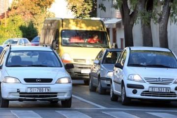 Vozači, oprez: Dnevna svjetla ne gasimo s pomicanjem sata
