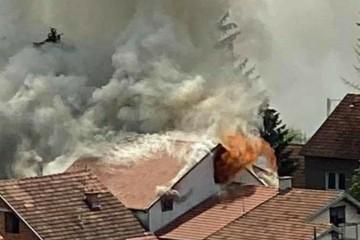Buknula kuća u Dubravi, na intervenciji je 20 vatrogasaca